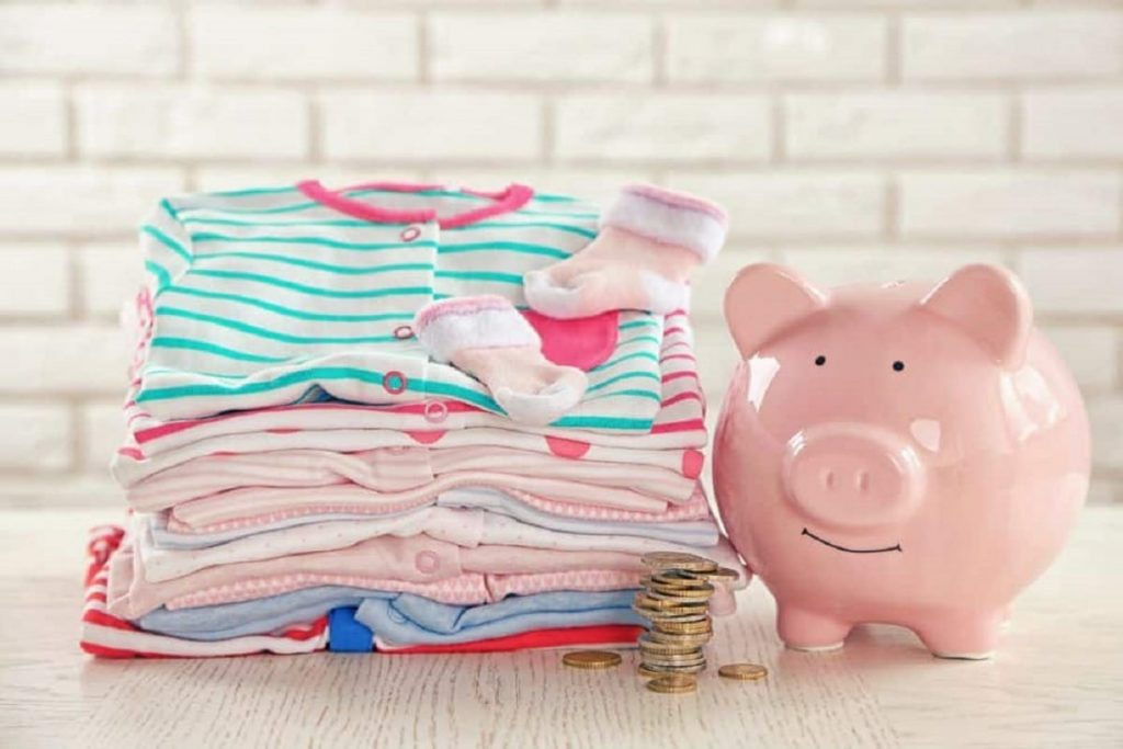 Tricks to save on children's clothes