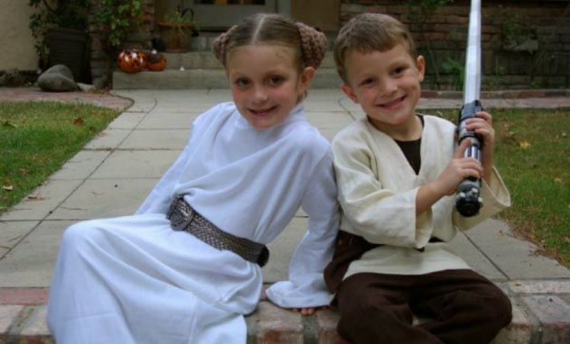 Costumes for twins on halloween